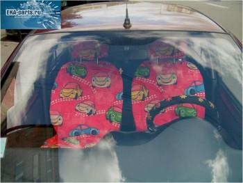 Накидка на сиденье авто универсальная (материал - флок, цвет - красный, рисунок - машинки) комплект из двух накидок и двух декоративных подушек - Интернет магазин запчастей Volvo и Land Rover,  продажа запасных частей DISCOVERY, DEFENDER, RANGE ROVER, RANGE ROVER SPORT, FREELANDER, VOLVO XC90, VOLVO S60, VOLVO XC70, Volvo S40 в Екатеринбурге.